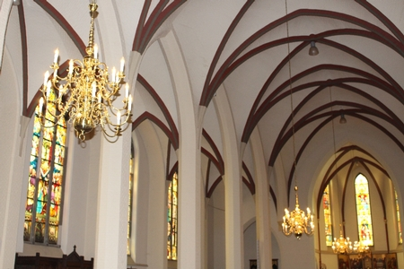 Delivery of 4 large Chandeliers to : Kerk : H. Antonius Abt  Chur